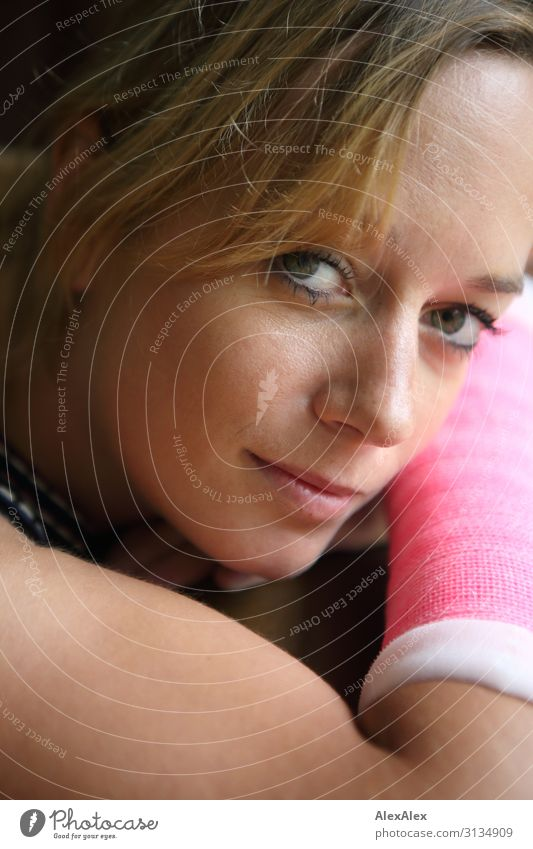 Portrait of a young woman with arm in plaster Style Beautiful Healthy Sportsperson Young woman Youth (Young adults) Face Arm 18 - 30 years Adults Blonde