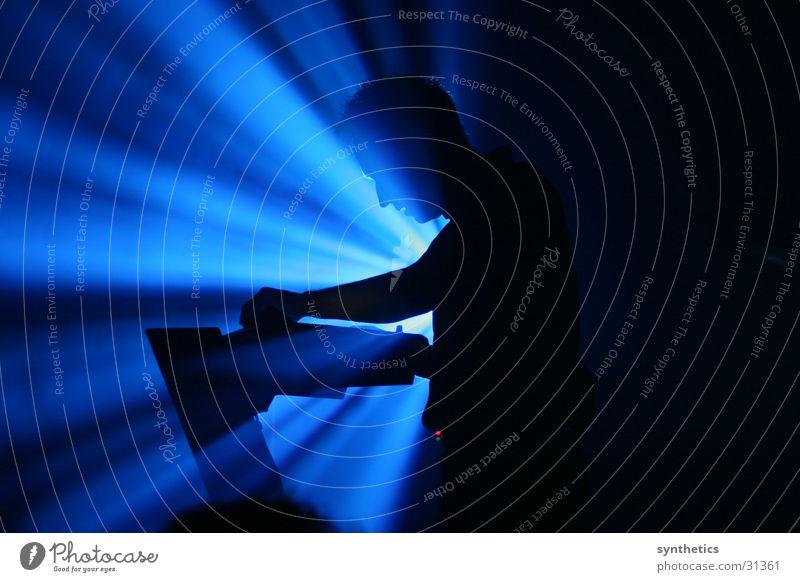 SEABOUND LIVE Concert Man SEABOUND LIVE IN ESSEN blue light Floodlight Reaction