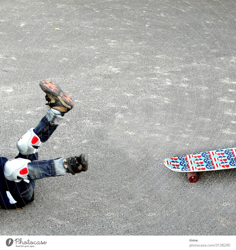 Boards of the world Sports Fitness Sports Training Skateboard Masculine Boy (child) Legs feet 1 Human being Places Street Lanes & trails Asphalt Concrete Jeans