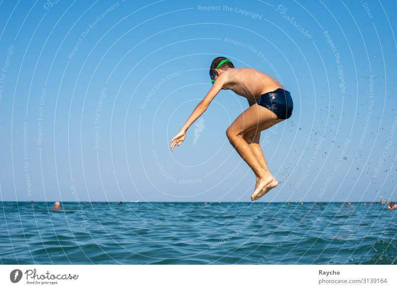 Airborne Swimming & Bathing Summer Summer vacation Human being Masculine Child Boy (child) Youth (Young adults) Body Skin Hand Legs 1 8 - 13 years Infancy Water