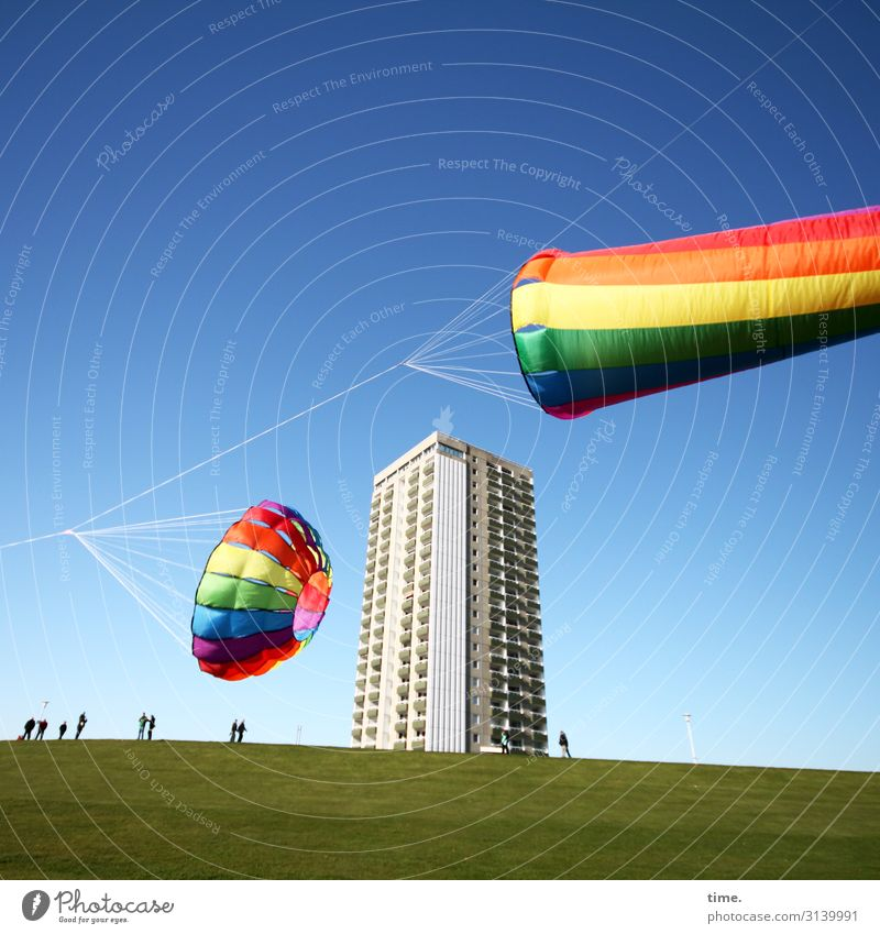 Statics & dynamics | Rope shaft High-rise bunch Kite festival Dike variegated Flying Whimsical vivacious Audience spectators Observe Joy fun free time contest