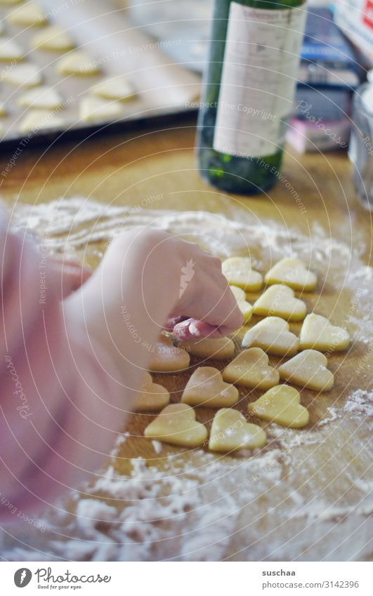 Christmas & Advent Hand Sweet Arm Delicious Candy Anticipation Sugar Cookie Baking Dough Flour Christmas biscuit Pierce Heart-shaped