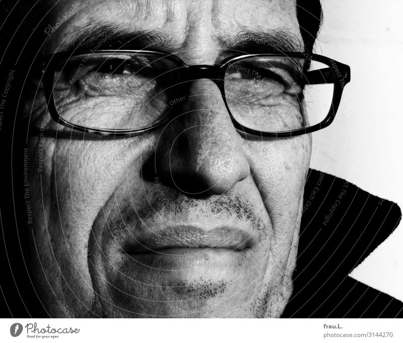 tense Human being Man Adults Life Face 45 - 60 years Observe Looking Beautiful Eyeglasses Stubble Sunlight Attractive Black & white photo Exterior shot Day