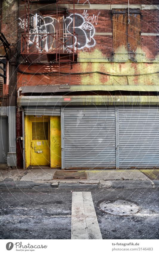 House (Residential Structure) Loneliness Graffiti Yellow Wall (building) Building Wall (barrier) Stone Brown Facade Gray Stairs Metal Door Gloomy Shopping