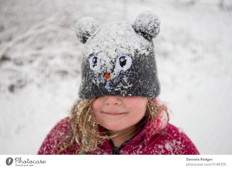 Child Human being Nature Christmas & Advent Joy Winter Girl Feminine Snow Happy Playing Freedom Trip Contentment Leisure and hobbies Ice