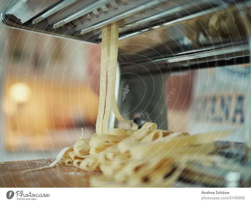 Homemade Pasta Food Dough Baked goods Noodles Nutrition Lunch Dinner Slow food Italian Food Cooking Eating pasta machine To enjoy Make Thin Fresh Delicious