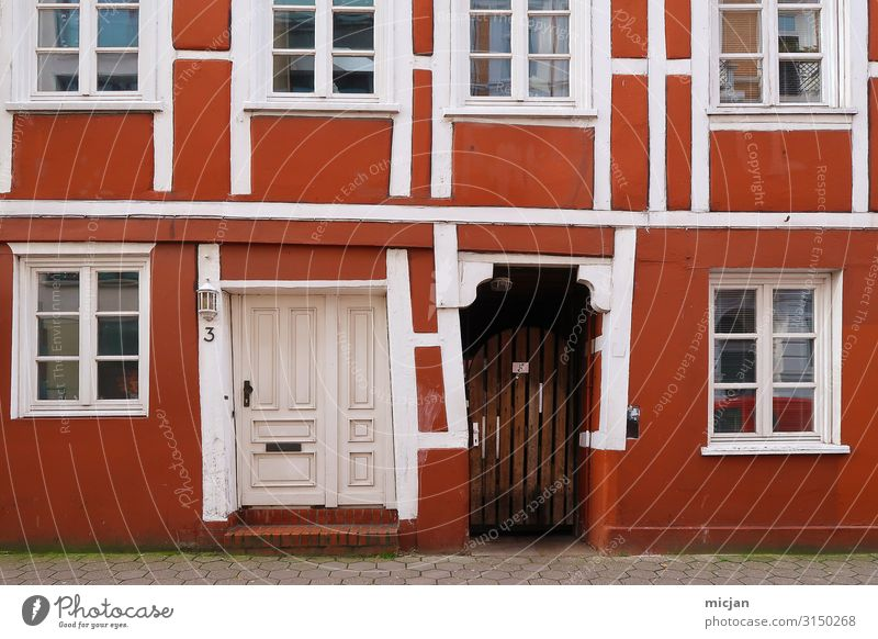 Vacation & Travel Town Colour Red House (Residential Structure) Window Architecture Wall (building) Art Wall (barrier) Facade City life Living or residing Door