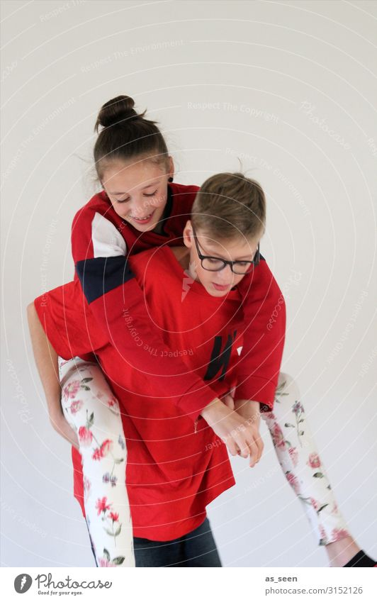 Brother and sister Girl Boy (child) Sister Infancy Youth (Young adults) Life Body 2 Human being 8 - 13 years Child T-shirt Sweater Leggings Eyeglasses Brunette