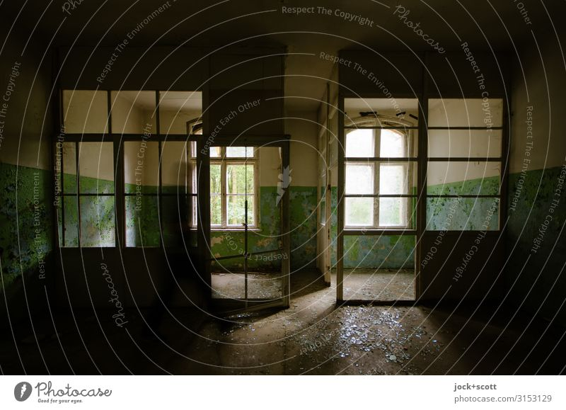 Lost in space Architecture Ruin Sanitarium Window Department Small room Dirty Historic Moody Secrecy Transience Ravages of time Derelict Vacancy Past