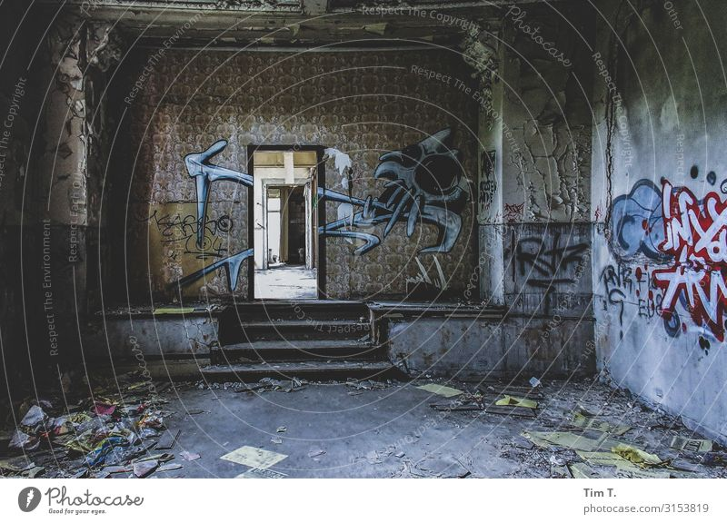 Ballhaus Grünau Berlin Town Capital city Outskirts Deserted House (Residential Structure) Ruin Wall (barrier) Wall (building) Stairs Door Decline Past