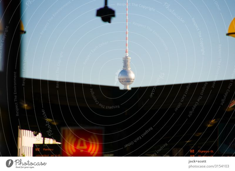 Alarm with Charm Tourist Attraction Downtown Train station Berlin TV Tower Prenzlauer Berg