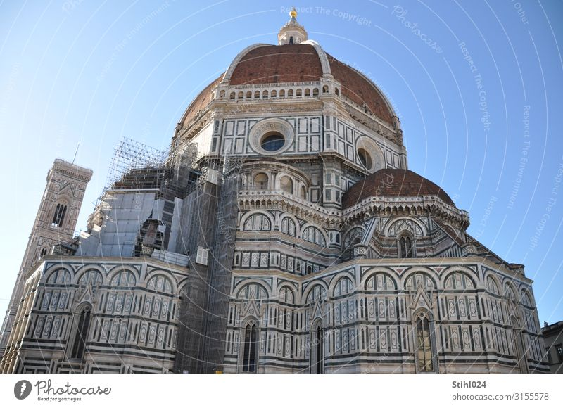 Baptisteruim of the Cathedral San Giovanni in Florence Sightseeing City trip Architecture Italy Town Old town Dome Baptisterium Wall (barrier) Wall (building)