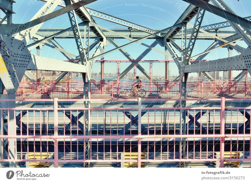 Williamsburg Bridge, New York City Technology Human being 1 Manhattan Brooklyn Town Downtown Manmade structures Architecture Tourist Attraction Landmark