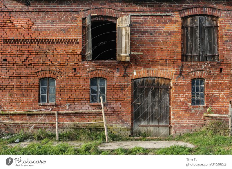 Pomerania Poland House (Residential Structure) Manmade structures Building Wall (barrier) Wall (building) Facade Window Door Past Transience Farm Colour photo