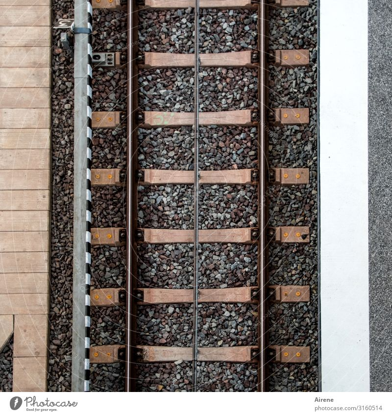 Line management | UT Hamburg Rail transport Train travel Train station Platform Railroad tracks Railroad system Stone Concrete Steel Brick Parallel Stripe