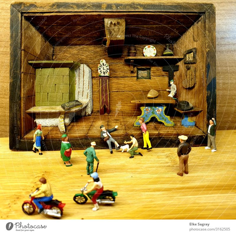 "Diorama,miniature worlds ""mailman bitten by dog"" Toys Decoration Plastic Movement Art Miniature Colour photo Interior shot"