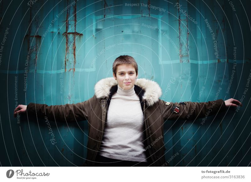 The New Jesus Human being Feminine Androgynous Young woman Youth (Young adults) 1 13 - 18 years Fashion Sweater Coat Cloth Pelt Hair and hairstyles Brunette