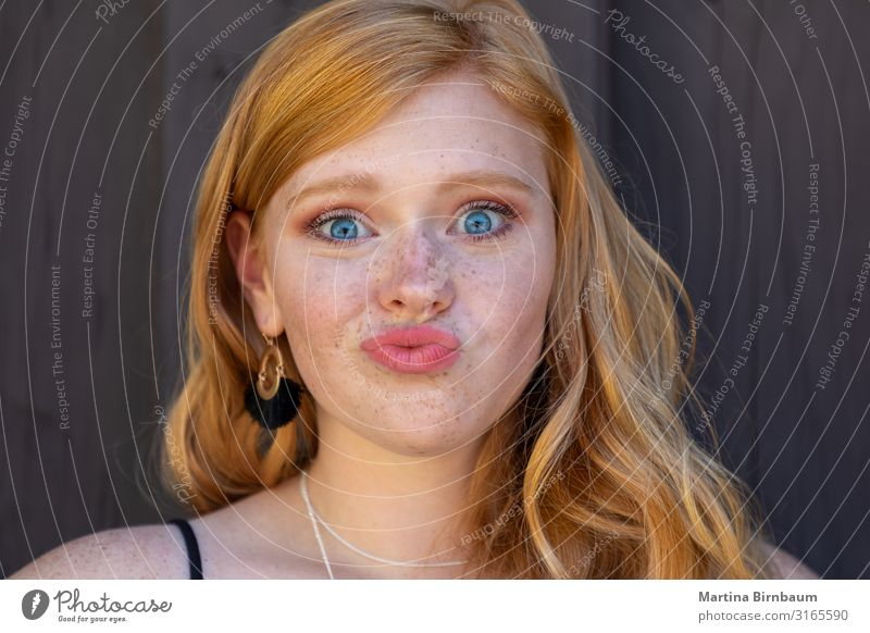 Beautiful teenager with redhair and freckles Lifestyle Human being Feminine Young woman Youth (Young adults) 1 13 - 18 years Red-haired Long-haired To enjoy
