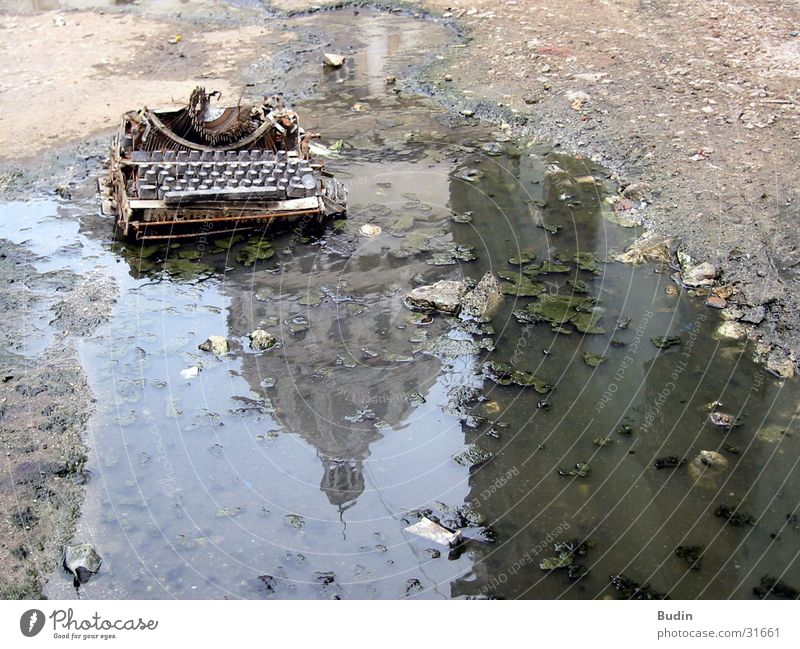 typewriter Typewriter Puddle Reflection Capitolio Broken Mud Cuba Water Write