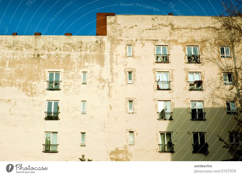 Sky Heaven Town House (Residential Structure) Window Wall (building) Berlin Copy Space Wall (barrier) Facade City life Living or residing Apartment Building