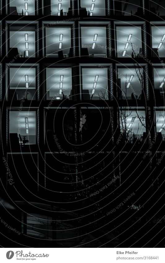Abends im Büro Living or residing Town Building Architecture Window Dark Emotions Moody Team Teamwork Date Black & white photo Exterior shot Deserted Night