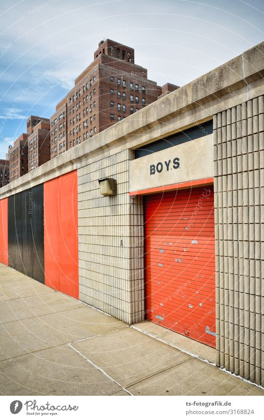 Boys of Manhattan Sporting Complex Baseball baseball stadium Changing room New York City USA Skyline House (Residential Structure) High-rise Playground