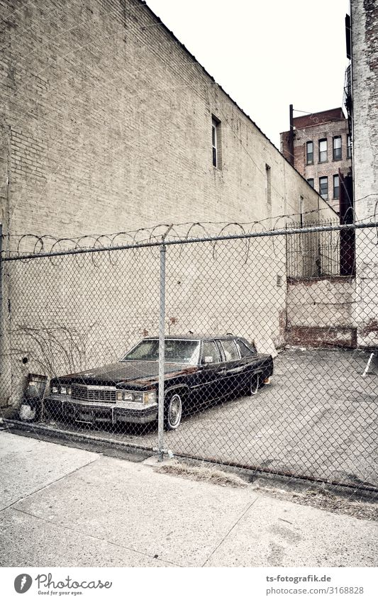 Old Town Wall (building) Wall (barrier) Brown Facade Car Transport Retro Change Logistics Driving Risk Downtown Fence Decline