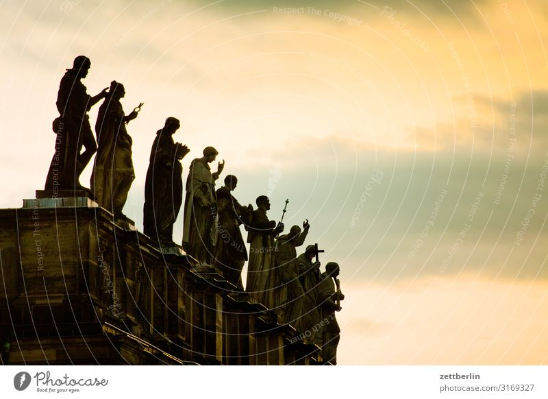 Figures on the roof Old town Ancient Architecture Baroque Dresden Classical Culture Capital city Travel photography Residenzschloss Saxony Town City trip