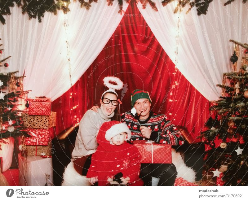 Christmas family family photo kitsch celebration Lifestyle Shopping Luxury Style luck Harmonious Well-being Contentment Living or residing Flat (apartment)