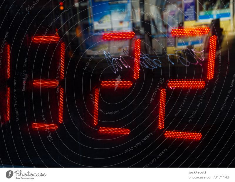 13:23 Red Keyword Moody Retro Glass Large Cool (slang) Digits and numbers Watchfulness Digital Trashy Sharp-edged Street art Downtown Berlin Flexible Display