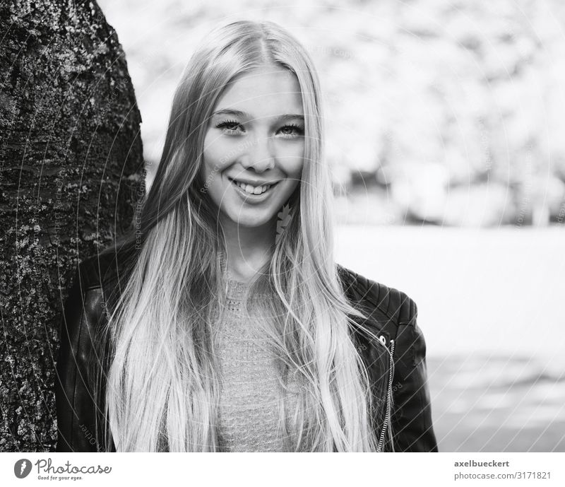 Outdoor Portrait of a Young Woman Lifestyle Beautiful Contentment Leisure and hobbies Human being Feminine Young woman Youth (Young adults) Adults 13 - 18 years