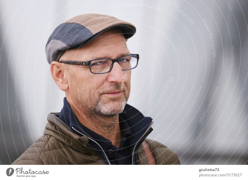 I can read your mind... | UT HH19 Man Adults Male senior Senior citizen Human being 45 - 60 years 60 years and older Eyeglasses Cap Gray-haired