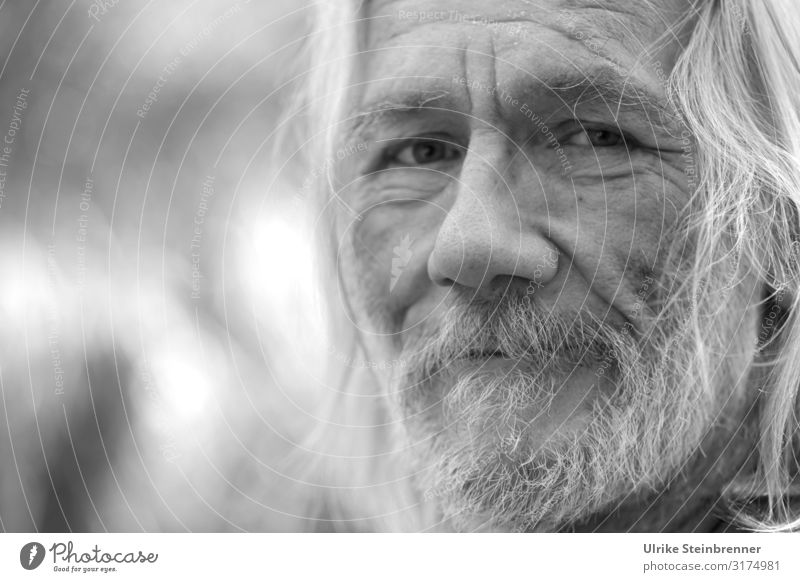 Old Hippie Human being Masculine Man Adults Male senior Senior citizen Life Head Hair and hairstyles Face Eyes Nose Facial hair 1 60 years and older Observe