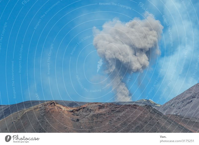 Sky Nature Blue Mountain Exceptional Gray Beautiful weather Threat Hill Elements Smoke Sicily Volcano Sparse Eruption Mount Etna