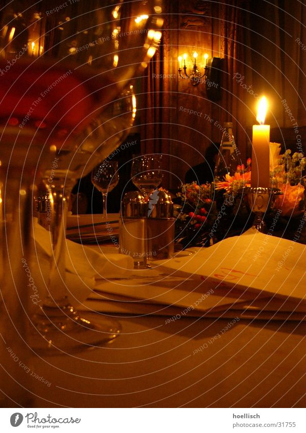 Glass Nutrition Table Candle Wine Hotel Restaurant Pepper Herbs and spices Near and Middle East Abu Dhabi Wine glass Tavern Menu Salt caster Le Méridien Hotel
