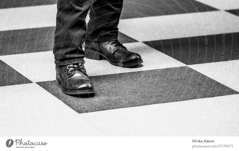 square Design Chess Hamburg Floor covering Pants Footwear Boots Stand Simple Black White Attachment Square Shoelace Black & white photo Interior shot Close-up