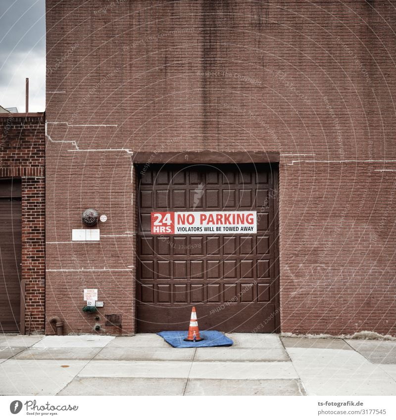 No parking in front of the chocolate factory? Chocolate Bar of chocolate New York City Town Deserted House (Residential Structure) Factory Manmade structures