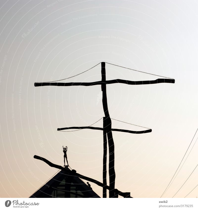rig Art Work of art Sculpture Cloudless sky Beautiful weather Pyramid Point Figure Tall Wood Metal Exceptional Above Unclear Cable Colour photo Exterior shot