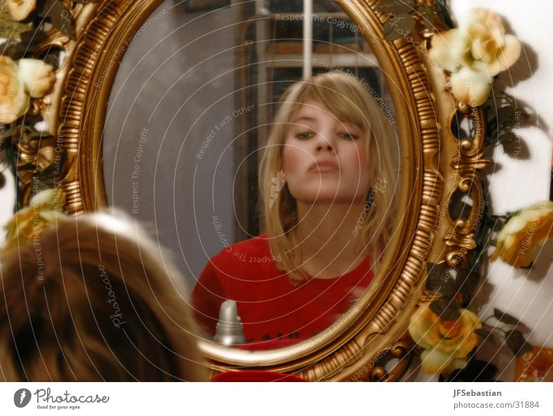 mirror Mirror Rose Blonde Apply make-up Conceited Woman