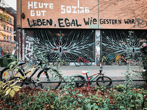 Life, no matter how it was yesterday: Kreuzberg Vacation & Travel Tourism Trip Freedom City trip Manmade structures Building Architecture Wall (barrier)