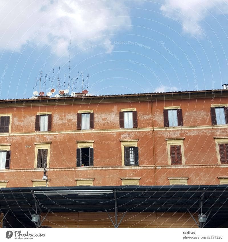Rome | Antenna forest Italy Old town Facade antennas dilapidated Decline allure Glazed facade