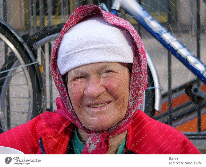 Russian Bag Lady 1 Senior citizen Multicoloured Headscarf Cap Woman Female senior approx. 80 years