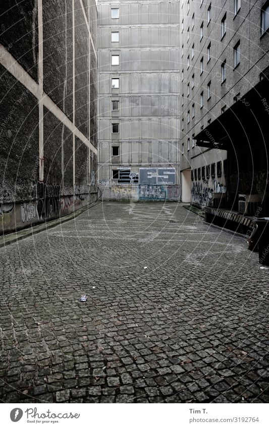 Crime scene Berlin Downtown Berlin Town Capital city Deserted House (Residential Structure) Manmade structures Building Prefab construction Wall (barrier)