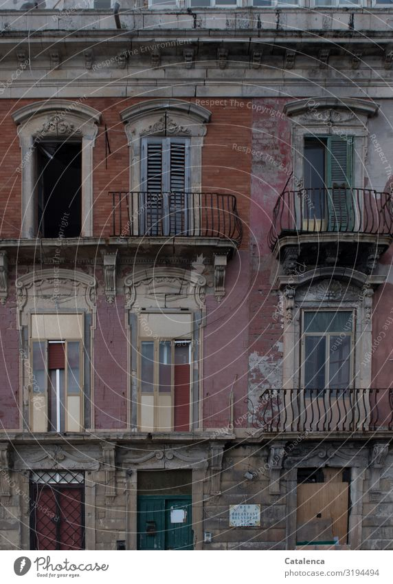 B & B Sicily Italy Small Town House (Residential Structure) Dream house Ruin Manmade structures Building Architecture Facade Balcony Window Door Old Dark Creepy