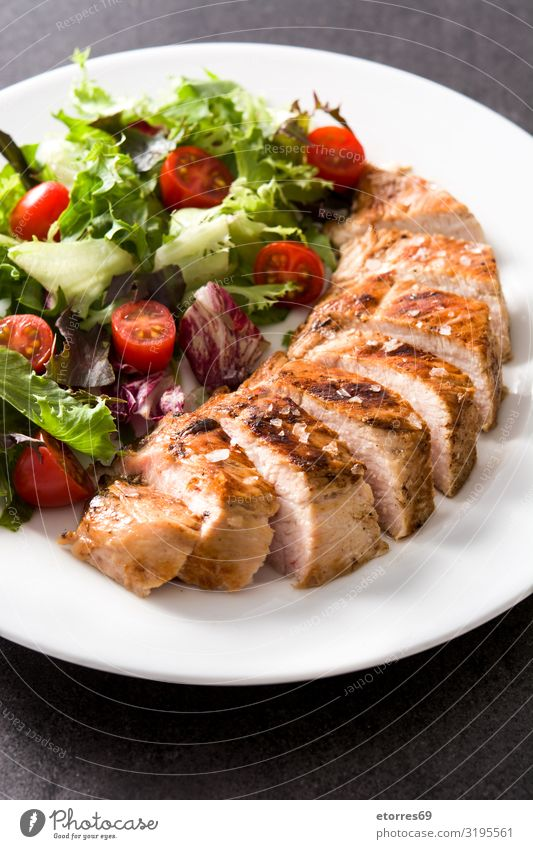 Grilled chicken breast with vegetables on a plate Food Healthy Eating Food photograph Meat Chicken Meal BBQ Dinner Plate fish Pork Dish Barbecue (apparatus)
