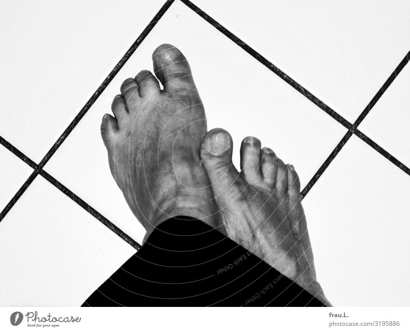 feet Kitchen Feminine Woman Adults Feet 1 Human being 60 years and older Senior citizen Dress Stand Old Dirty Hideous Unwavering Tile Cold Barefoot Toe broken