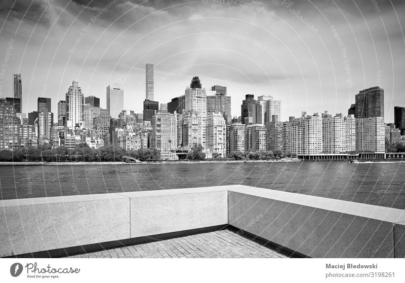 Manhattan skyline seen from Roosevelt Island, New York. Elegant Style Design Living or residing Flat (apartment) House (Residential Structure) Sky River Town