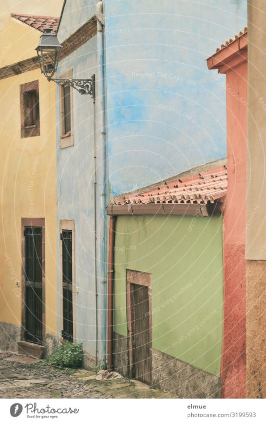 dyeing lane Vacation & Travel City trip Italy Italian Sardinia pink Small Town House (Residential Structure) Alley Facade Door Roof Lamp Authentic Exceptional