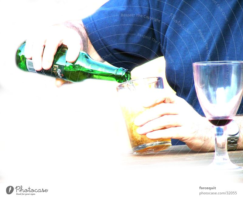 Pour drink Beverage Obscure pour alcohol beer larger wine