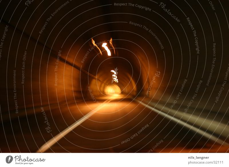 Tunnel vision 2 Light Long exposure Transport